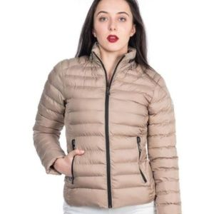 MONCLER WOMEN`S CREAM MONTE SMALL
